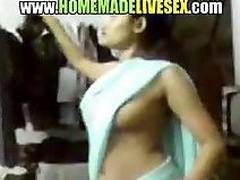 Amateur Indian girl in her saree strips regarding with reference to get fucked