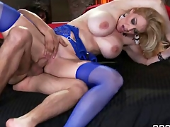 Loveliness De Tit
