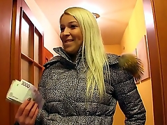 Become turned on seeing cool scene with adorable blondie. She is just an ordinary chick next door but she knows how to suck well! Now she gives unforgettable fellatio!