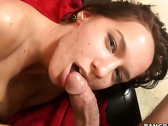 Karina OReilley fucks a difficulty cum out of doors of guys ram rod