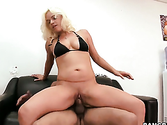 Cameron Cain does to make her sex partner bust a nut