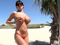 Legendary slut Rebeca Linares walks naked in a real paradise