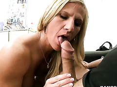 Sex hungry whore sucking like it aint no thing in oral action connected with hot blooded guy